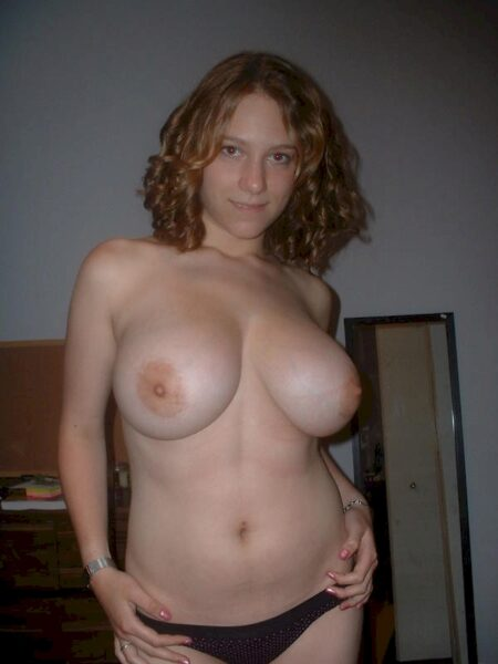 Chienne sexy recherche son coquin