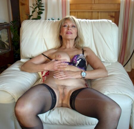Cougar sexy sur l'Eure qui s'ennuie