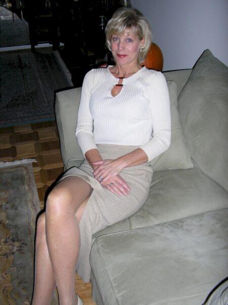 Femme mature coquine soumise pour amant domi